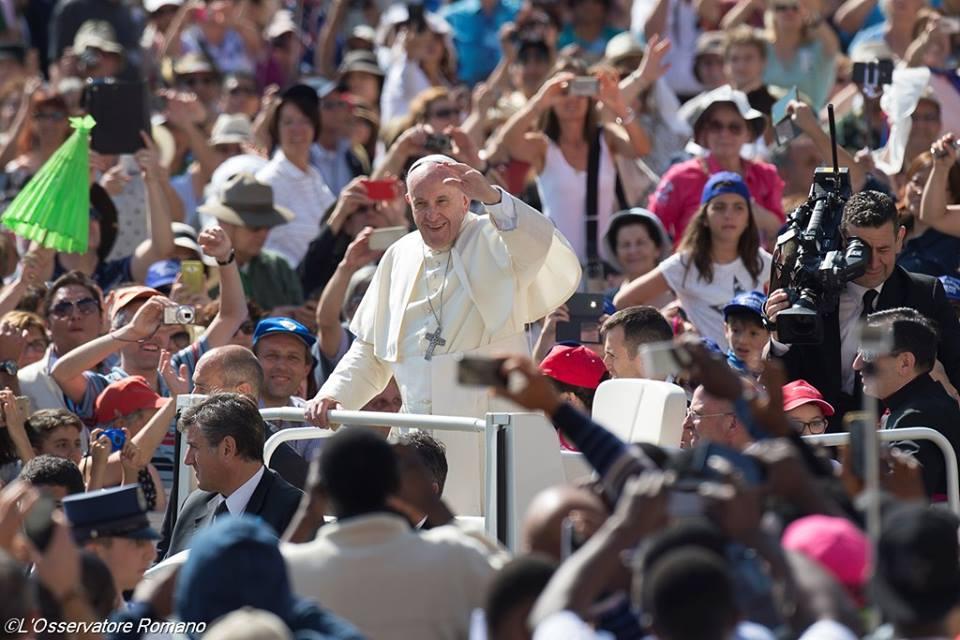 papież, 8 czerwca 2016 - 13417627_1223780724300196_4684185066079077975_n.jpg