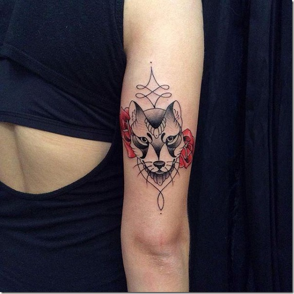 añada_las_rosas_rojas_y_deje_que_su_tatuaje_ms_femenina