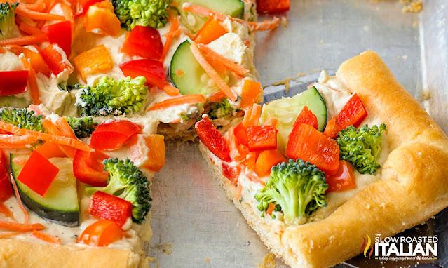 Veggie Pizza Appetizer with fresh veggies