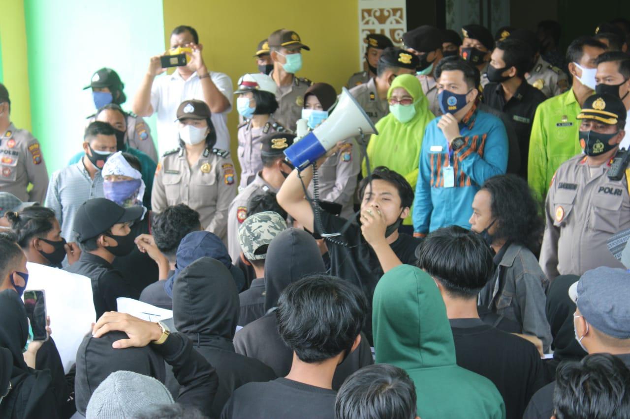 Polres Sergai Amankan Aksi Unras Aliansi Mahasiswa dan Masyarakat Pemuda