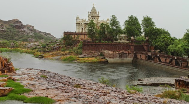 Jodhpur's Jasvant Thada in the rains