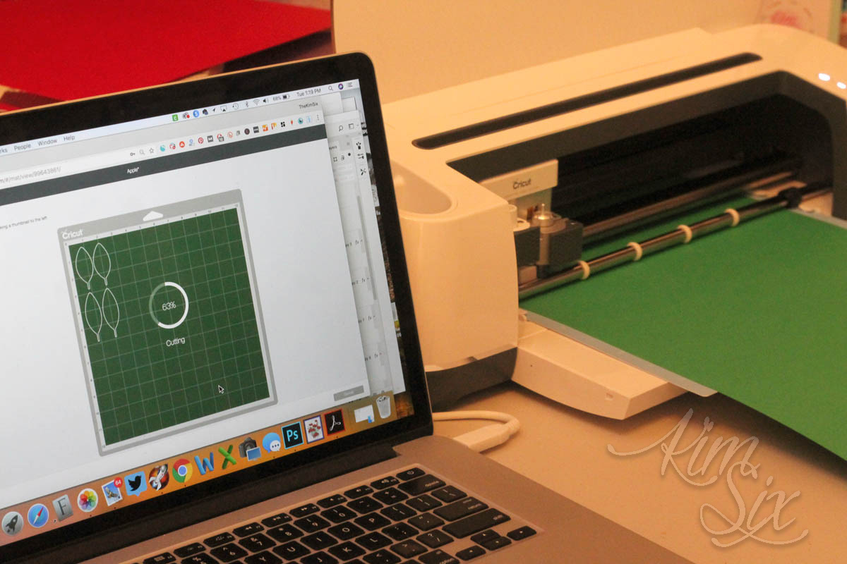 Cutting and scoring with cricut machine
