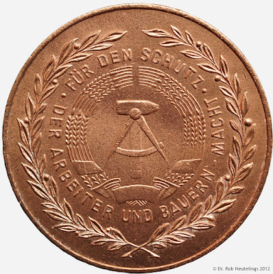 147e Verdienstmedaille der Nationalen Volksarmee in Bronze www.ddrmedailles.nl