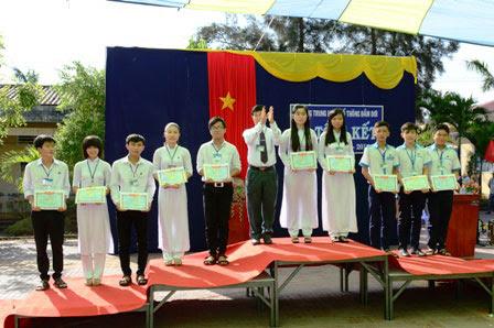 Trường THPT Đầm Dơi tổng kết năm học 2014 - 2015