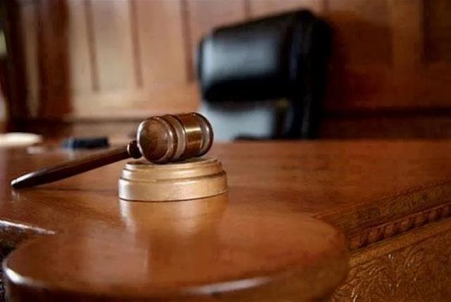 10 años de prisión  a una joven que publicó vídeo de su hija incitándola a tocarle sus partes íntimas