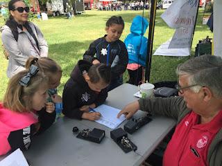 Ken Martin KE6RMN demonstrated Morse Code at the River City ARCS booth at Rio Linda Farm & Tractor Days