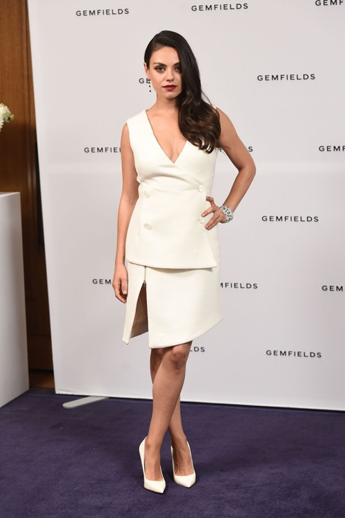 mila-kunis-gemfields-photo-call-in-london