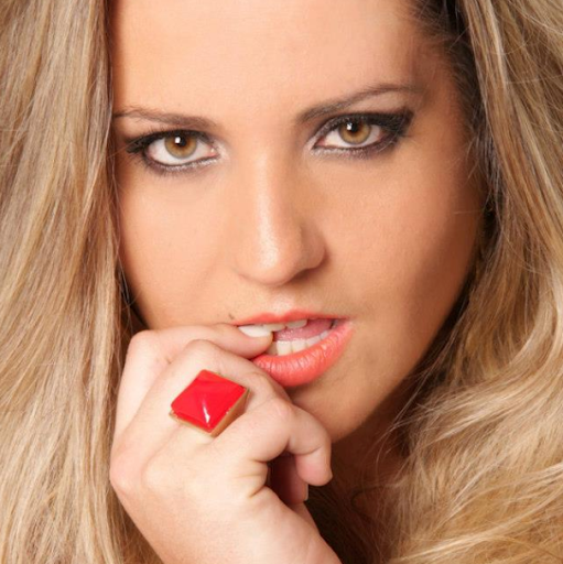 Carol Iglesias Photo 13