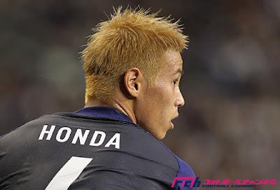 本田圭佑 髪型 後ろ