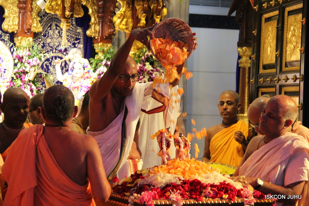 ISKCON Juhu Janmashtami Maha Abhishek on 25th Aug 2016  (58)