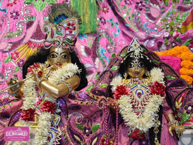 ISKCON Ahmedabad Deity Darshan 20 Sep 2016 (7)