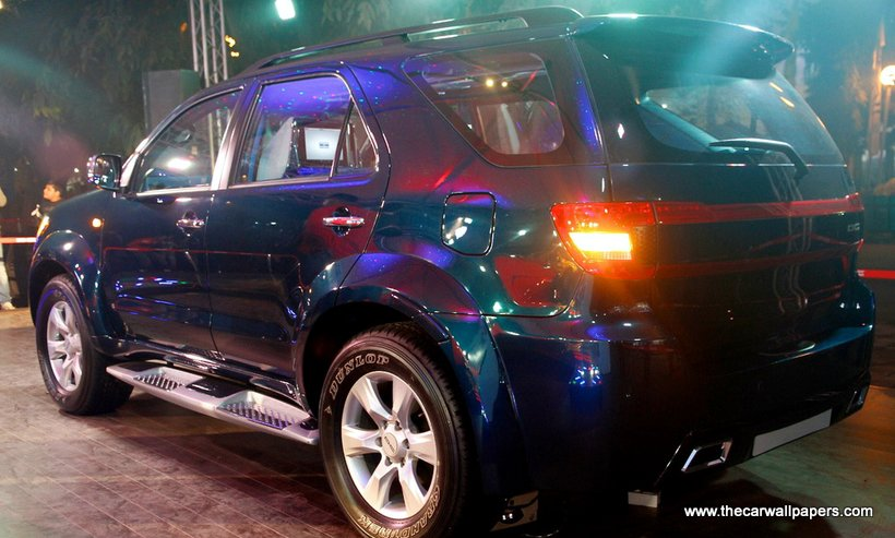 DC Lounge Fortuner for 7.25 lakhs