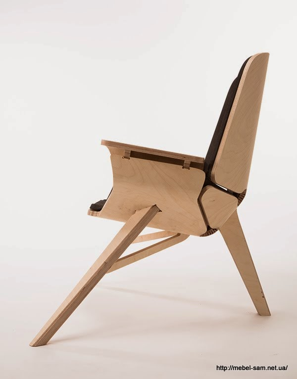 Вид на фанерное кресло сбоку