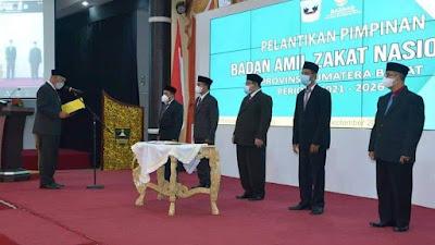 Gubernur Mahyeldi Lantik Pimpinan Baznas Sumbar Periode 2021-2026