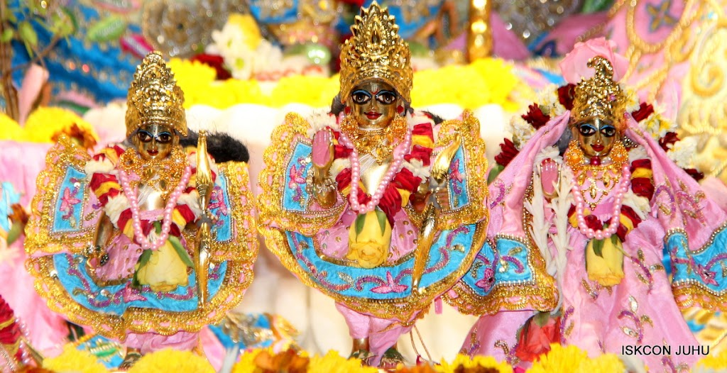 ISKCON Juhu Sringar Deity Darshan 10 Apr 16 (30)