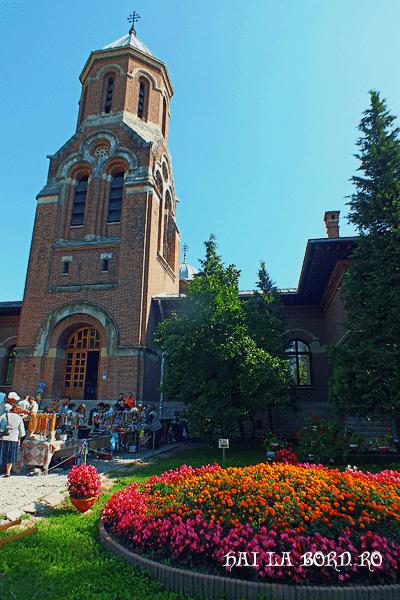 paraclis manastirea curtea de arges