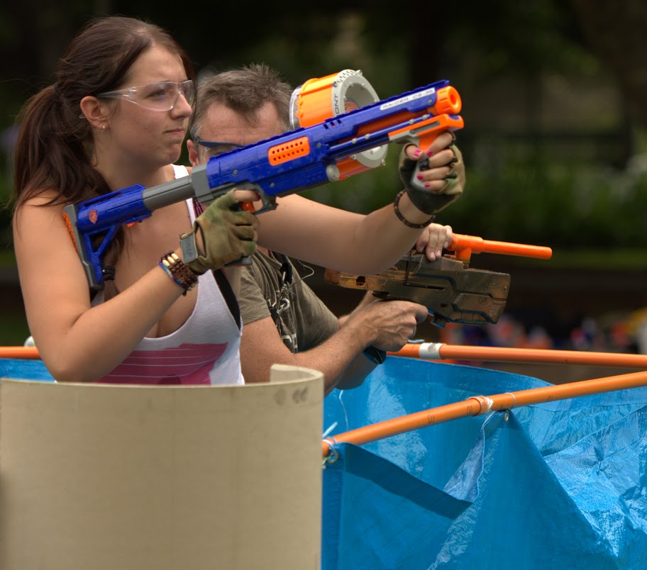 Kelvin Grove war pictures: December 18th   Picture heavy... Nerf%2Bwar%2B292