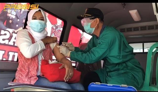 Gerai Vaksin Presisi Polres Nganjuk melayani vaksin covid-19 bagi masyarakat umum