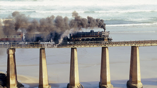 Tjoe Steam Engine, Outeniqua Choo, South Africa.jpg