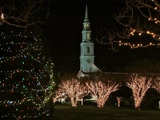 besplatne Božićne pozadine za desktop 1280x960 free download čestitke blagdani Merry Christmas crkva polnoćka