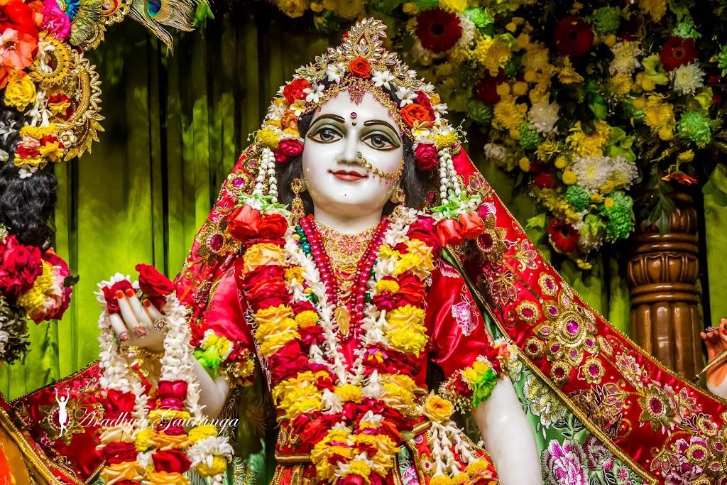 ISKCON Mayapur Deity Darshan 13 Jan 2017 (9)