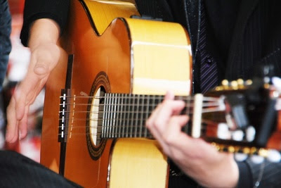 ギターイメージ画像400×267.jpg