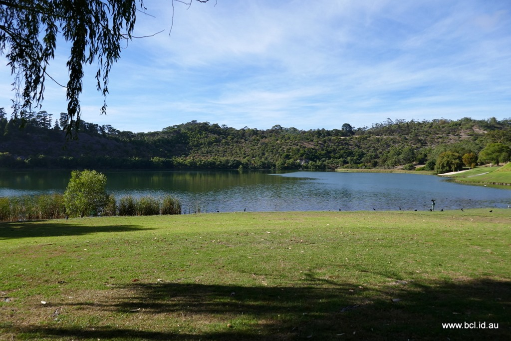 [190304-027-Valley-Lake-Mt-Gambier3]