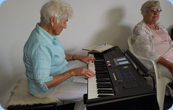 Audrey Henden playing Laurie's Roland BK-9.