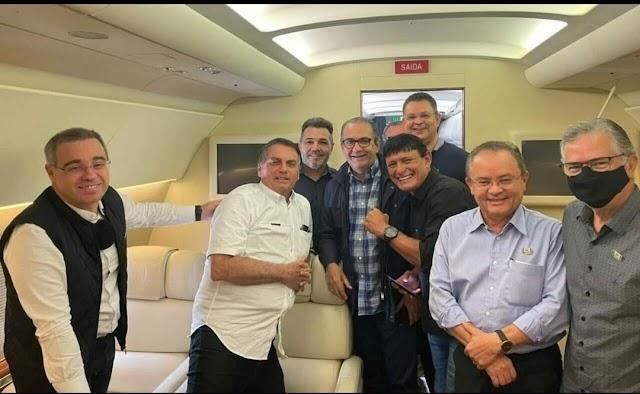 Na companhia de  Marco Feliciano e Silas Malafaia, Bolsonaro vai a Belém participar de culto comemorativo