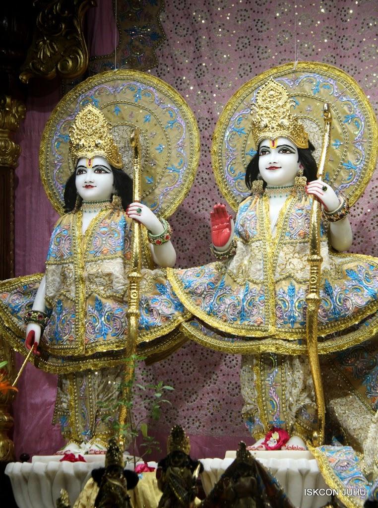 ISKCON Juhu Mangal Deity Darshan on 29th May 2016 (6)