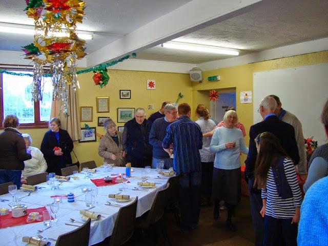 Pensioners Lunch - 12-12-2010 - WPL201003.jpg