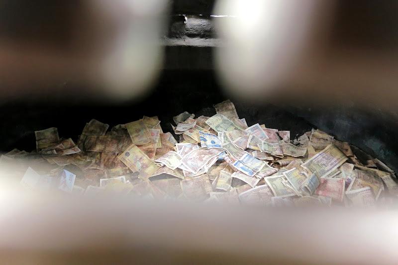 Money offering, Temple of Literature
