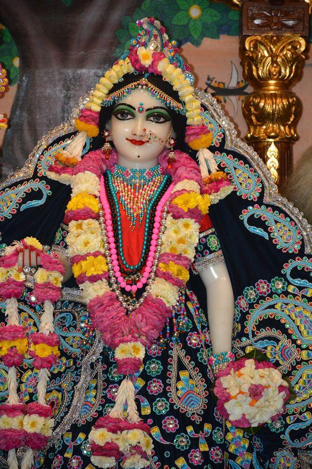 ISKCON Ujjain Deity Darshan 05 April 2016  (17)