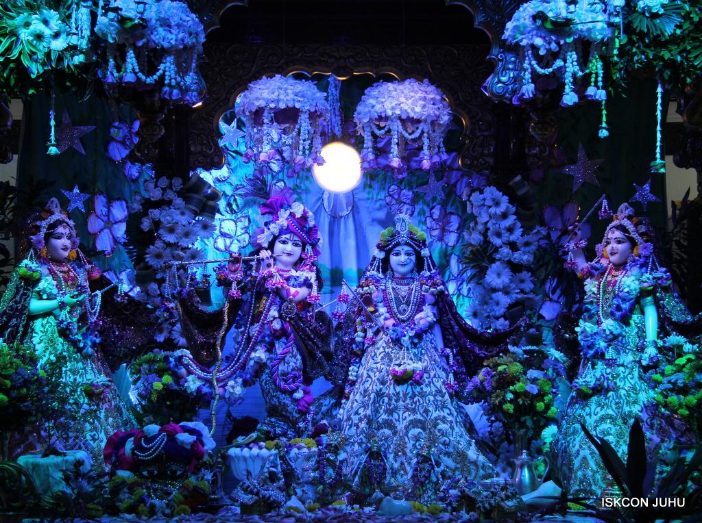 Sharad Purnima Deity Darshan on 16th Oct 2016 (18)