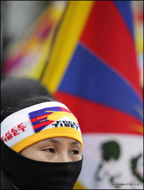 Global Solidarity Vigil for Tibet in front of the Chinese Consulate in Vancouver BC Canada 2/8/12 - 72cc0140%2BA.jpg