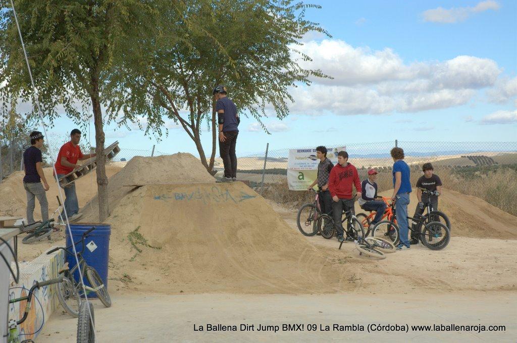 Ballena Dirt Jump BMX 2009 - BMX_09_0001.jpg