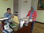 Julian Zapata y Fanny Ochoa en una de las oficinas del Centro Cultural Islámico de Colombia