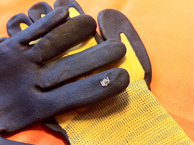 Conductive thread placed on the index finger of the glove