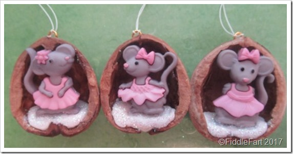 Little Mouse Walnut Shell Tree Ornament