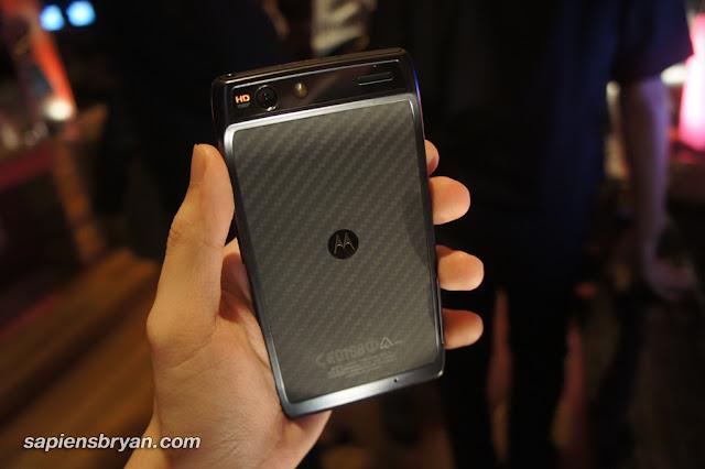 Motorola RAZR - Back