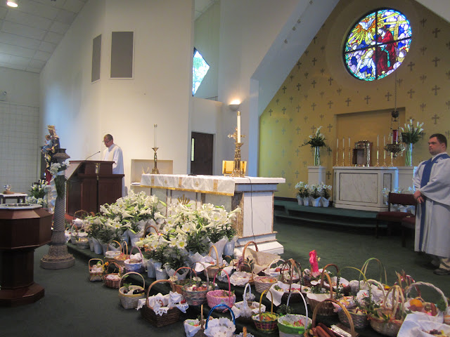 4.7.2012, Wielka Sobota, Świecenie pokarmów, kościół MOQ, Norcross. Zdjęcia E. Gürtler-Krawczyńska - 006.JPG