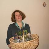 Нине - она всегда появляется в Саду соловьев с экзотическими подарками