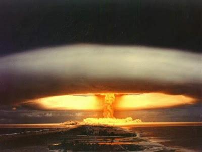 Tal vez la comunidad internacional debería bombardear España
