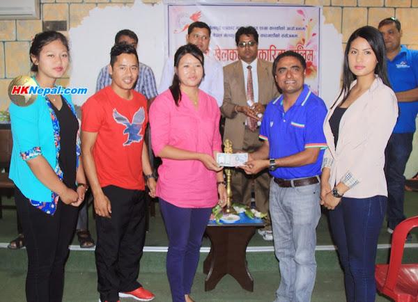 पोखराका चर्चित राष्ट्रिय खेलाडीहरूद्वारा भोम्जनको परिवारलाई सहयोग