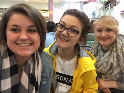 Airport selfie Gatwick airport