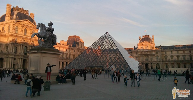 Visitar París a pie: Del Marais al Museo del Louvre