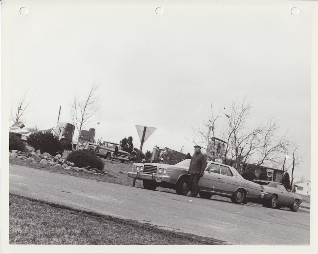 1976 Tornado photos collection - 22.tif