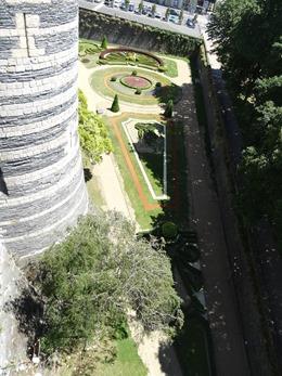 2017.06.18-044 les jardins du château
