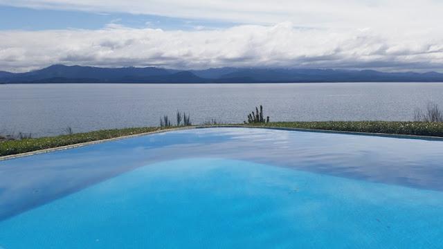 הבריכה-במלון-בברילוצ׳ה.jpg