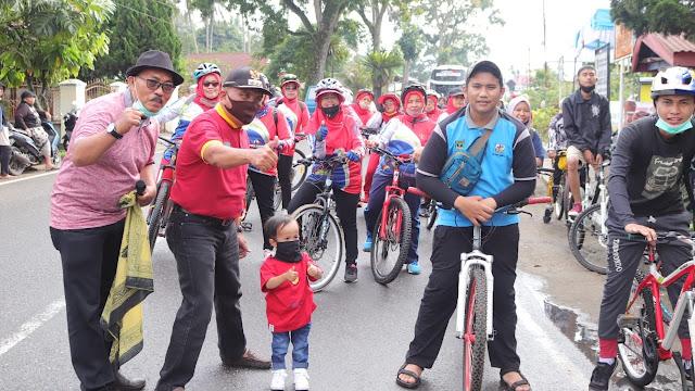 Gowes Berhadiah Semarakkan Pelepasan Mahasiswa KKN di Padang Data Tanah Mati